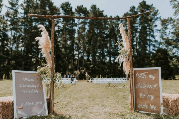 The DIY skills of New Zealand wedding farm wedding with this home made wedding sign