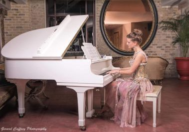 Featured Image Wedding White Piano